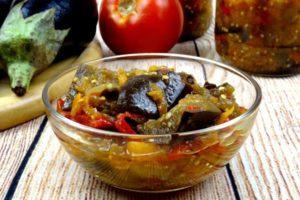 Домашнее лечо с баклажанами и сладким перцем в томатной заливке