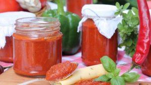 Кетчуп на зиму из помидоров с сельдереем