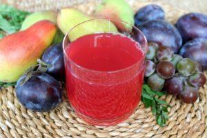 Компот из слив и винограда «Ароматный десерт»