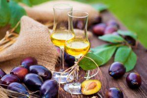 Крепленое вино из сливы