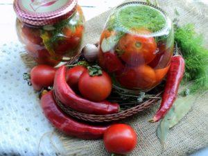 Острые домашние помидоры на зиму