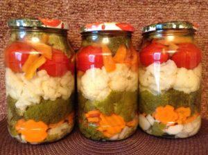 Патиссоны, маринованные с цветной капустой