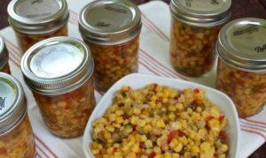 Салат с кукурузой – самая вкусная закуска на зиму